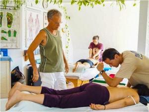 Demonstration von Massage (Bildungskarenz)